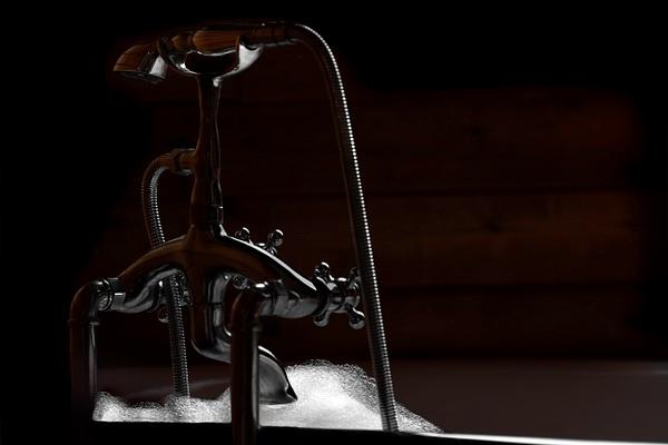 Bathtub by Snowkeeper