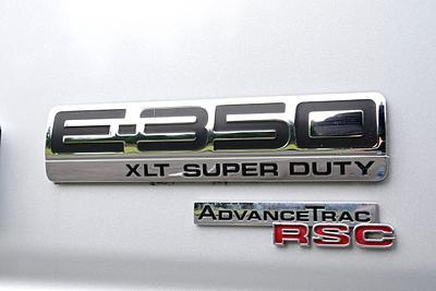 2007 Ford Econoline E-350 Super  Duty Wagon XLT 12-Passenger Van