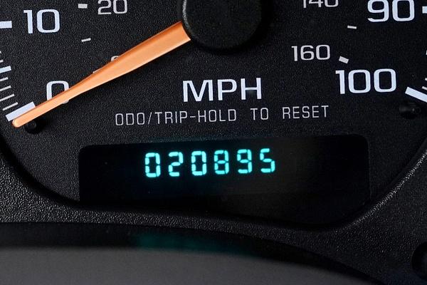 2003 GMC Sonoma SLS Extended Cab  Third-Door 4X4 Pickup...