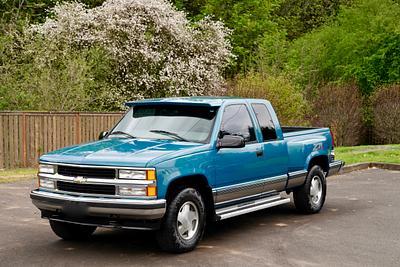 1998 Chevrolet Silverado K1500 Extended Cab  3rd Door Sportside Bed Z-71 4X4 Pickup Truck