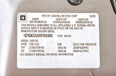 1999 GMC Sierra SLE C/K 3500 Crew Cab 4-Door Short Bed 4X4 Pickup Truck