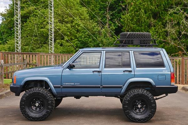 1999 Jeep CherokeeSport Model  4x4 4-Door Sport...