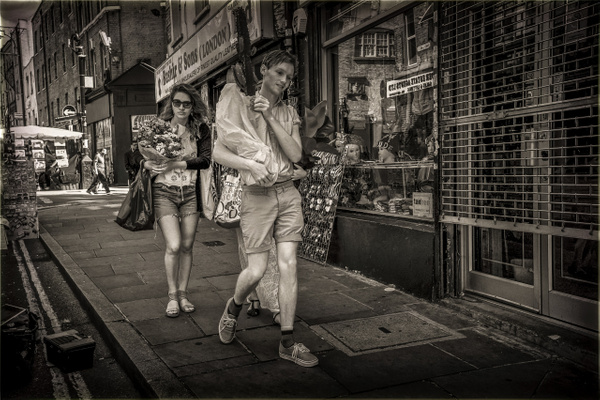 Brick Lane - STREET PHOTO - MassimoUsai