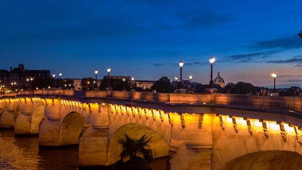 Le Pont Neuf à la nuit tombée - Home - Theo Castillon Photographie