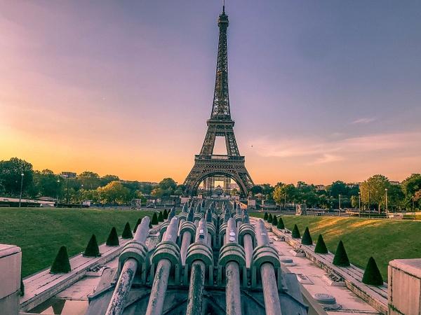 Lever du soleil sur la tour Eiffel - Home - Theo Castillon Photographie