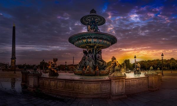 La fontaine des fleuves et la Place de la Concorde au petit matin