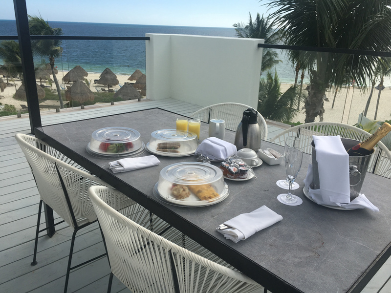 Breakfast on the terrace of the EC IMperial Suite