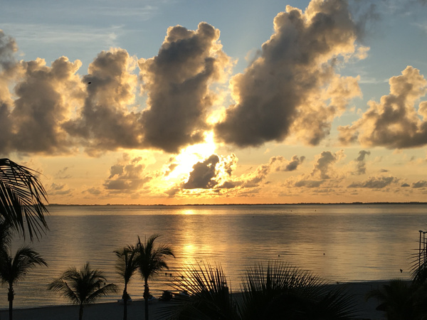 Sunrise by Lovethesun