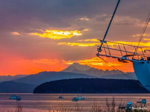 20200731_Mt B Sunrise_012-Edit - Golden Hour - Rising Moon NW Photography