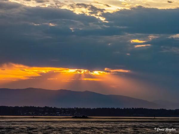 20200731_Mt B Sunrise_020-Edit - Golden Hour - Rising Moon NW Photography