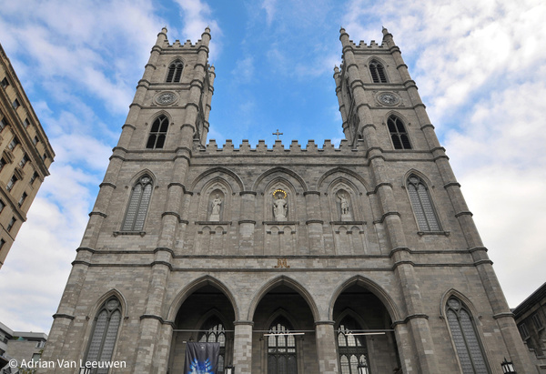 Notre-Dame-Church - Professional Headshots in Toronto and GTA by Luminous Light Photo
