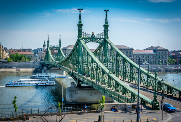 Chain-Bridge-Budapest-Hungary - Photographs of Budapest, Hungary.