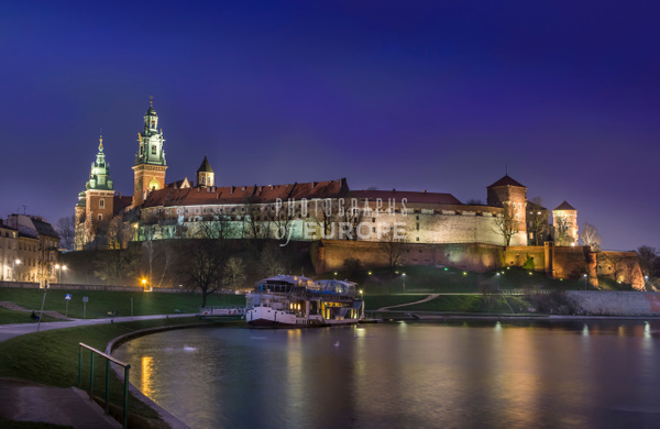 Wawel-Royal-Castle-at-night-Krakow-Poland - Krakow, Poland