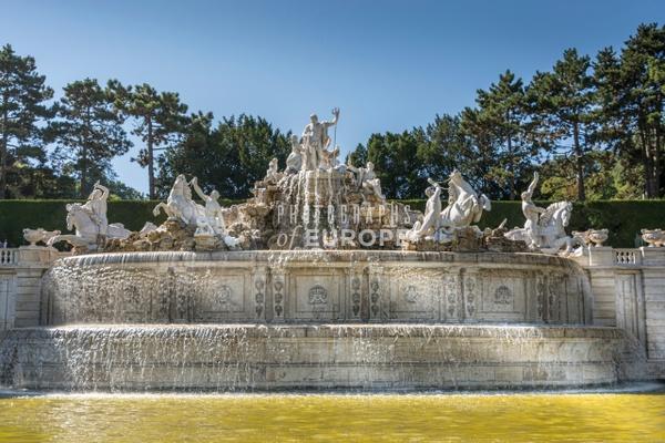 Fountain-Schönbrunn-Palace-Vienna-Austria - Photographs of Granada, Spain