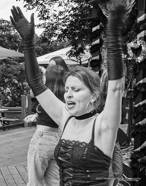 MONOCHROME Dance Troop 5 - Home - Desmond Stagg Photography