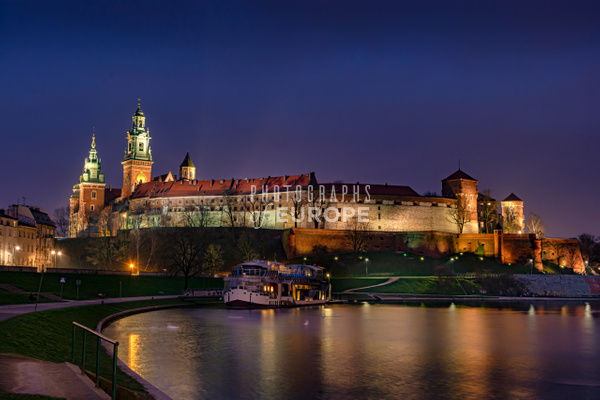 Wawel-Royal-Castle-floodlit-Krakow-Poland - Krakow, Poland