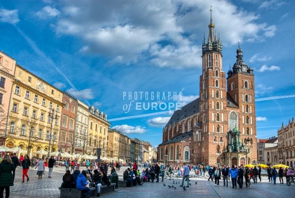 Saint-Mary's-Basilica-Main-Market-Square-Krakow-Poland - Krakow, Poland