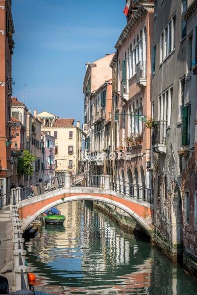 Canal-view-Venice-Italy - Photographs of Venice, Italy..