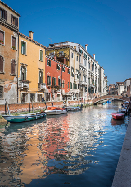 Coloured-buildings-Venice-Italy - Photographs of Venice, Italy..