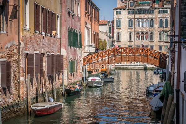 Canal-view-wooden-bridge-Venice-Italy - Photographs of Venice, Italy..