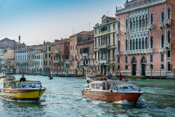 Grand-Canal-palaces-Venice-Italy - Photographs of Venice, Italy..