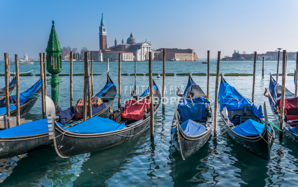 Line-of-gondolas-Venice-Italy - Photographs of Venice, Italy..