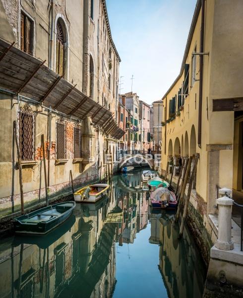 Serene-canal-view-Venice-Italy - Photographs of Venice, Italy..