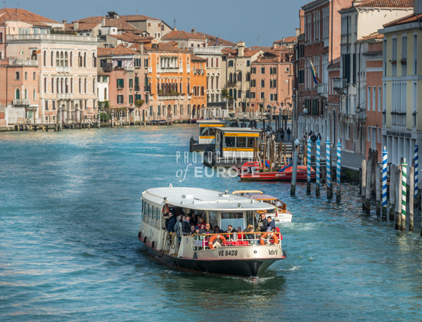 Venice-water-bus-Grand-Canal-Venice-Italy - Photographs of Venice, Italy..
