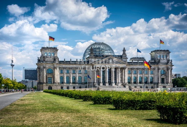 The-front-facade-Reichstag-Building-Berlin-Germany - Photographs of Berlin, Germany.