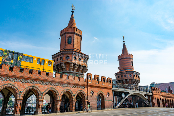 Oberbaum-Bridge-Oberbaumbrücke-berlin-germany - Photographs of Berlin, Germany.