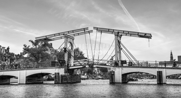 The-Magere-Brug-skinny-bridge-Amsterdam-Netherlands-black-and-white - Photographs of Amsterdam, Netherlands.