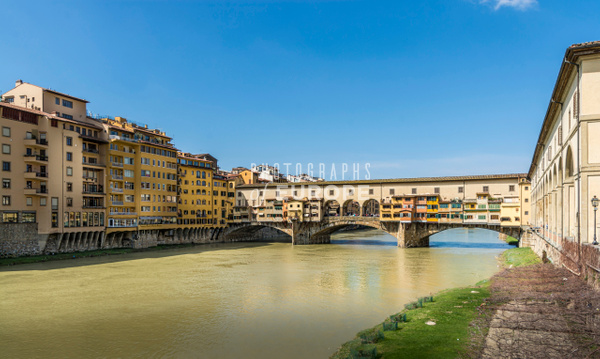 Ponte-Vecchio-Bridge-Florence-Italy - Photographs of Florence and Pisa, Italy.