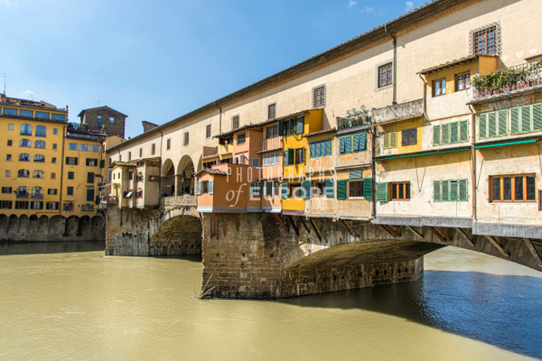 Ponte-Vecchio-Bridge-Florence-Italy-2 - Photographs of Florence and Pisa, Italy.