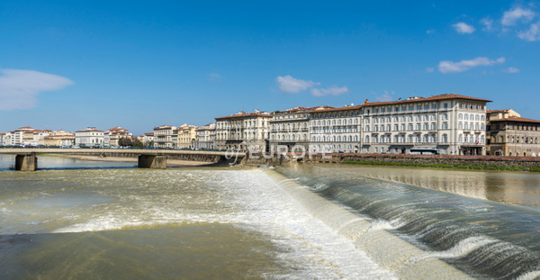 River-Arno-Grand-Hotel-Florence-Italy - Photographs of Florence and Pisa, Italy.