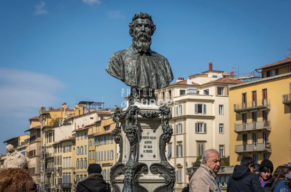 Statue-of-Benvenuto-Cellini-Florence-Itlay - Photographs of Florence and Pisa, Italy.