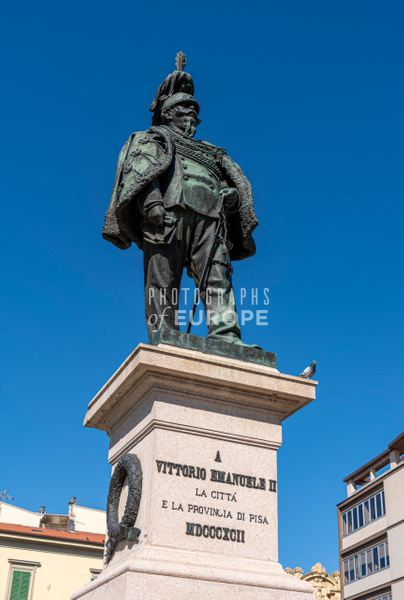 Statue-Of-Vittorio-Emanuele-II-Pisa-Italy - Photographs of Florence and Pisa, Italy.