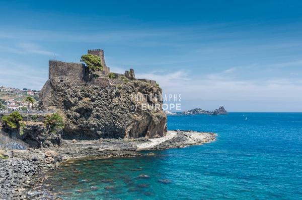 Castello-Normanno-Svevo-di-Aci-Castello-Sicily-Italy-2 - Photographs of Sicily, Italy.