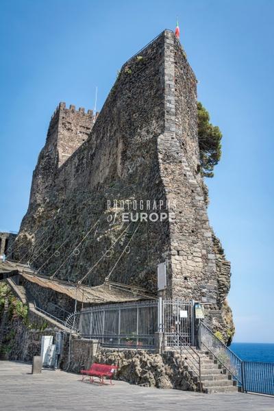 Castello-Normanno-Svevo-di-Aci-Castello-Sicily-Italy - Photographs of Sicily, Italy.
