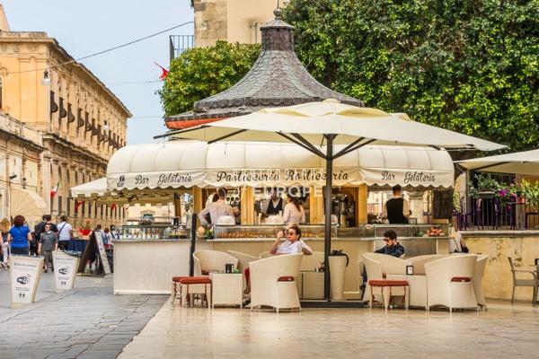 Chiosco-della-Cattedrale-Noto-Sicily - Photographs of Sicily, Italy.