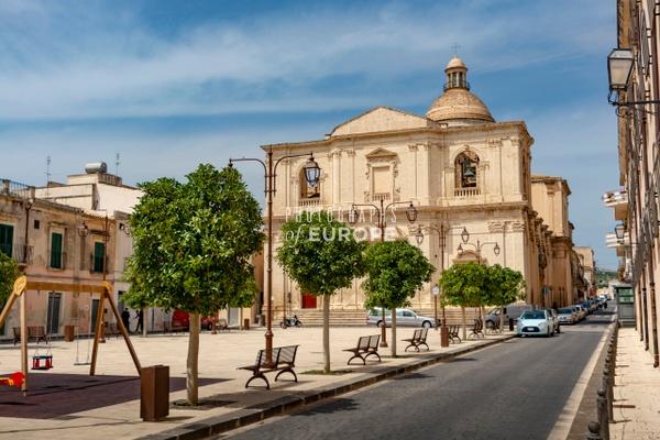 Grand-church-Ragusa-Sicily-Italy - Photographs of Sicily, Italy.