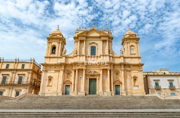 Noto-Cathedral-St-Nicholas-of-Myra-Sicily-Italy-2 - Photographs of Sicily, Italy.
