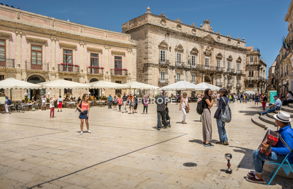 Piazza-del-Duomo-Town-Hall-Syracuse-Sicily-Italy-3 - Photographs of Sicily, Italy.