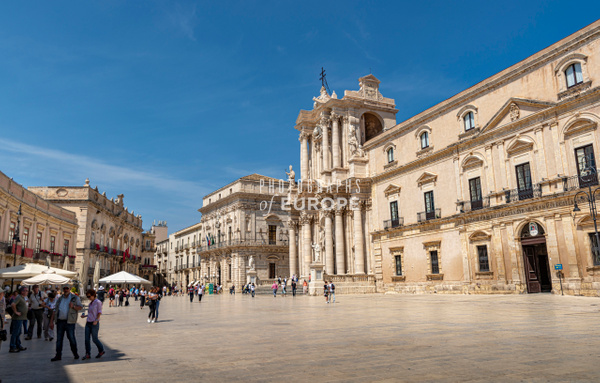 Piazza-del-Duomo-Cathedral-Syracuse-Sicily-Italy - Photographs of Sicily, Italy.
