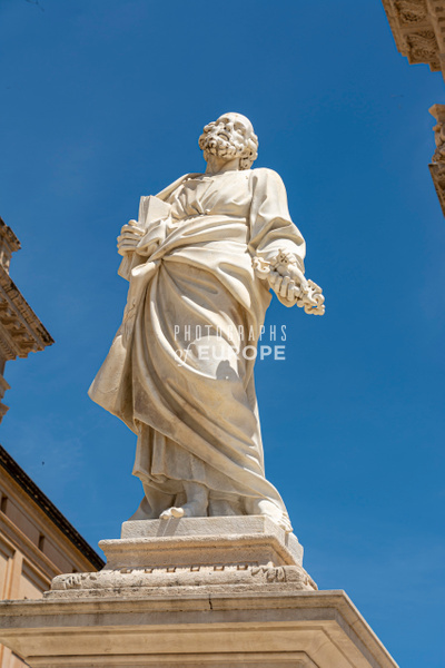 Statue-of-St-Peter-Syracuse-Sicily-Italy - Photographs of Sicily, Italy.