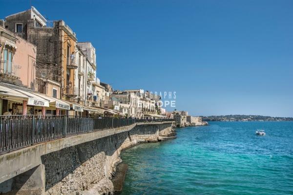 Syracuse-sea-front-1-Sicily-Italy - Photographs of Sicily, Italy.