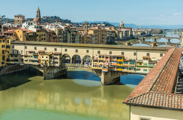 Ponte-Vecchio-Bridge-Florence-Italy-3 - Photographs of European famous places and landmark buildings..