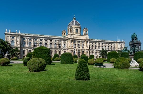 Museum-of-Natural-History-Vienna-Austria-3 - Photographs of Granada, Spain