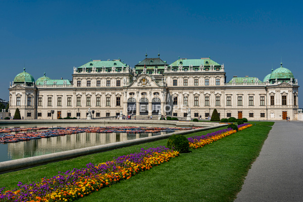 Belvedere-Palace-frontage-Vienna-Austria-2 - Photographs of Granada, Spain
