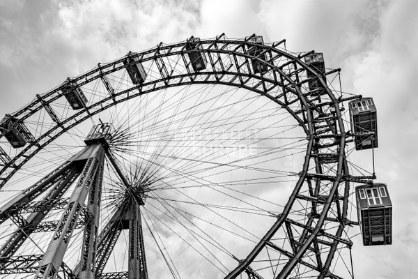 Viennese-Giant-Ferris-Wheel-Vienna-Austria - Photographs of Granada, Spain