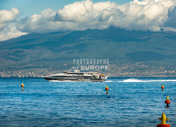Fast-ferry-bay-of-Naples-Sorrento-Italy - Photographs of the Amalfi Coast, Capri and Sorrento, Italy